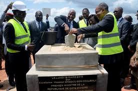 Le Premier ministre ivoirien, Amadou Gon Coulibaly, lance les travaux du premier centre de gestion des déchets d'Abidjan.