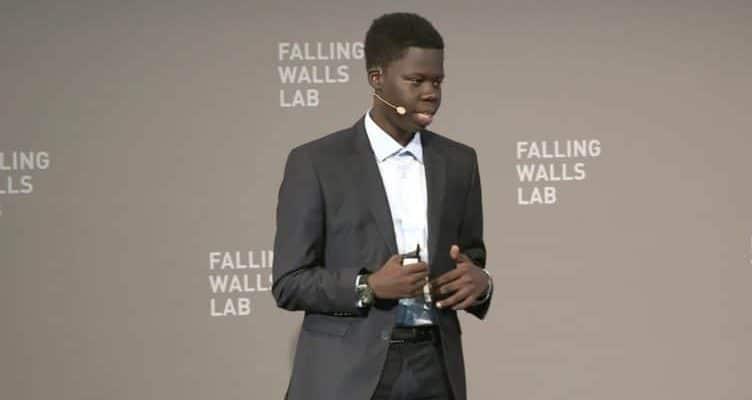 Alioune Badara Mbengue, co-fondateur de Mbal-IT, reçoit le Prix du jeune entrepreneur