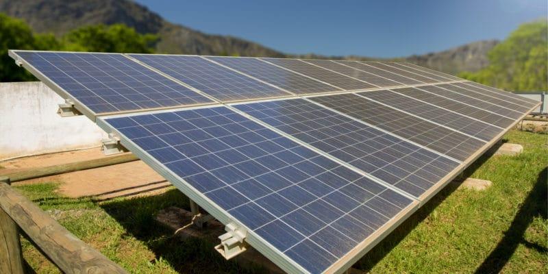 NIGERIA: Solar hybrid power plant inaugurated at Alex Ekwueme University © Danie Nel Photography/Shutterstock