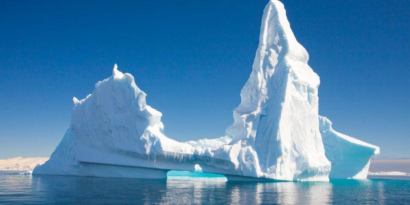 AFRIQUE DU SUD : détourner des icebergs pour résoudre la crise de l'eau potable ©Juancat/Shutterstock
