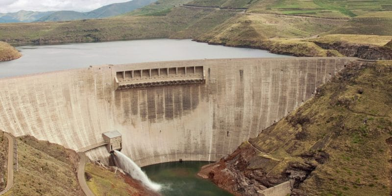 ZIMBABWE: Chinese Sinosteel to build 400 MW hydroelectric plant©Catchlight Lens/Shutterstock