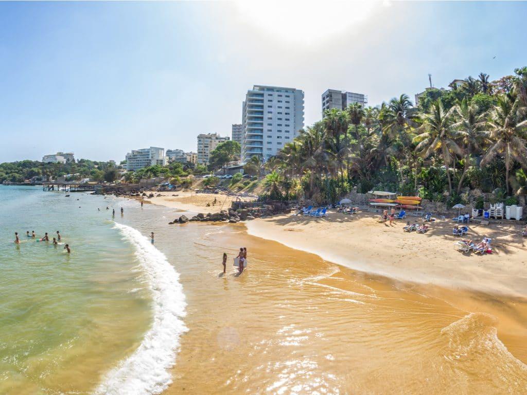 SENEGAL: Ngor,s beach in Dakar is (temporarily) garbage free.   Afrik 21