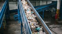 KENYA: Alternative Energy Systems manufactures diesel from plastic waste © Shutterstock