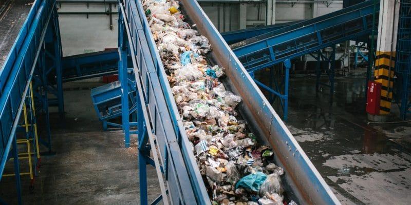 KENYA : Alternative Energy Systems fabrique du diesel à partir des déchets plastiques © Shutterstock