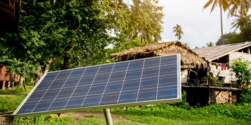 MADAGASCAR : Baobab+ et MVola s'allient pour mixer énergie solaire et mobile banking © Theeraphong /Shutterstock