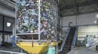 MAROC : à 20 ans, Saif Eddine Laalej recycle les déchets plastiques en pavées © Theeraphong /Shutterstock