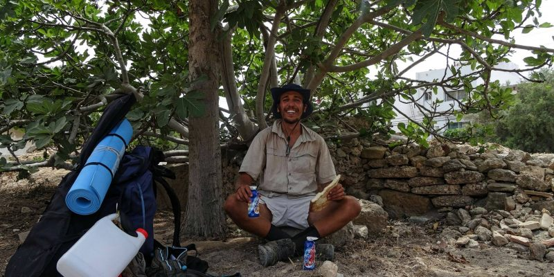 TUNISIA: Young man walks 300 km to clean beaches and set an example ©Mohamed Oussama Houij