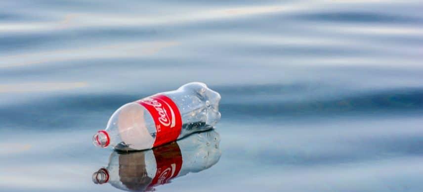 AFRIQUE : Coca-Cola investit 38 Mds $ pour le recyclage des déchets plastiques ©Jen Watson/Shutterstock