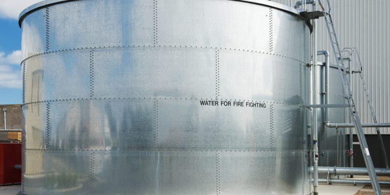 KENYA : CCCC pompera l'eau potable de la nappe pour les habitants du comté de Kajiado©/Shutterstock