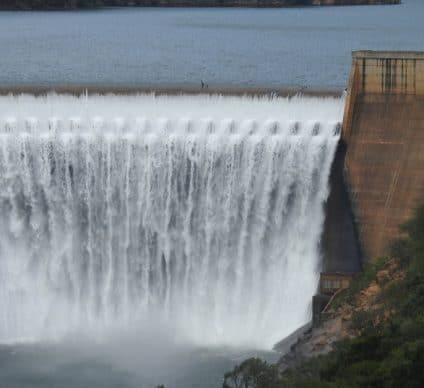 CAMEROUN: le financement de la centrale hydroélectrique de Nachtigal (420 MW) est bouclé©Edrich /Shutterstock
