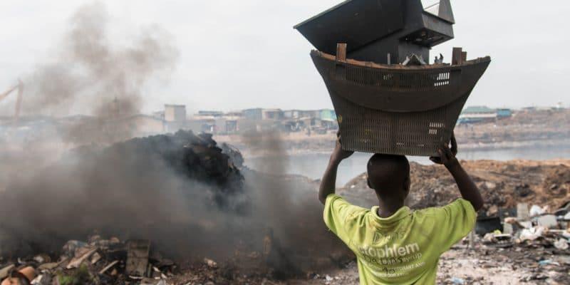 GHANA : le numérique se met au service de la gestion des déchets urbains©Aline Tong/Shutterstock