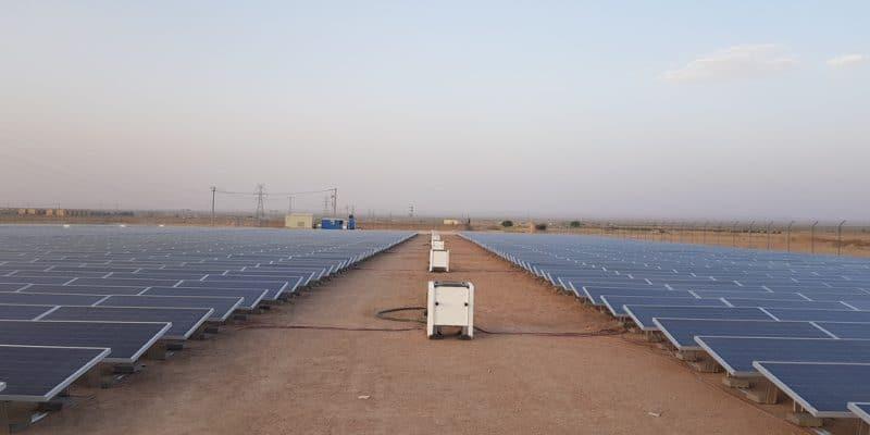 EGYPTE : Schneider Electric et JinkoSolar fournissent une off-grid à Abu Ghuraqd©Sebastian Noethlichs/Shutterstock