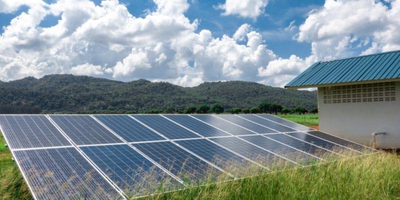 AFRIQUE : CrossBoundary se lance dans le marché des mini-grids solaires et crée CBEA©Yong006/Shutterstock
