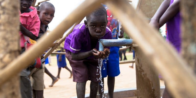 BURKINA FASO: Belgium finances drinking water distribution in the Centre-East©Jen Watson/Shutterstock