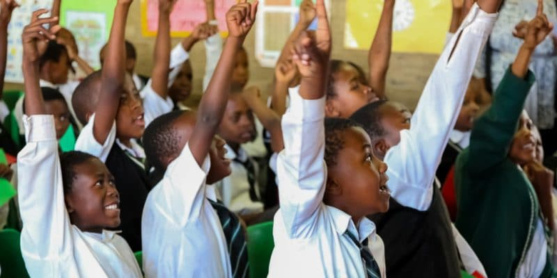 IVORY COAST: UNICEF builds classrooms with recycled plastic ® Sunshine Seeds/Shutterstock
