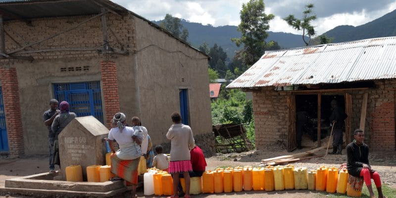 RWANDA: Kigali tries public-private partnership in the water sector©©Jen Watson/Shutterstock