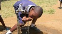 KENYA : National Bank s'allie à Impact Water pour fournir de l'eau potable aux écoles©CECIL BO DZWOWA/Shutterstock