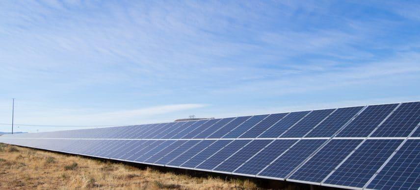 SIERRA LEONE: Winch Energy to supply small solar power plants to 24 localities ©Jen Watson/Shutterstock