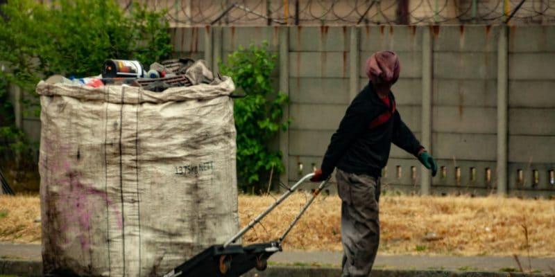 GHANA : la start-up Jumeni lance une application de gestion des déchets sur le terrain©VladanRadulovicjhb/Shutterstock