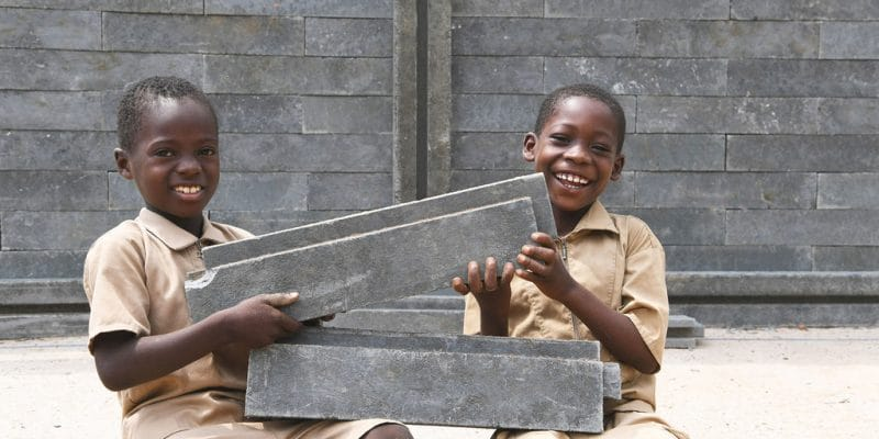 IVORY COAST: UNICEF offers 500 classrooms made of bricks from recycled plastic©UN