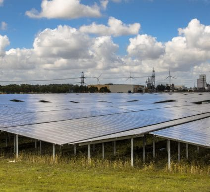 AFRICA: Egypt will build solar power plants in 7 African countries©KernelNguyenShutterstock