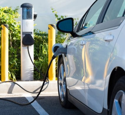 SOUTH AFRICA: Nissan, BMW and Volkswagen intend to invest in the electric car market©Mike Flippo/Shutterstock