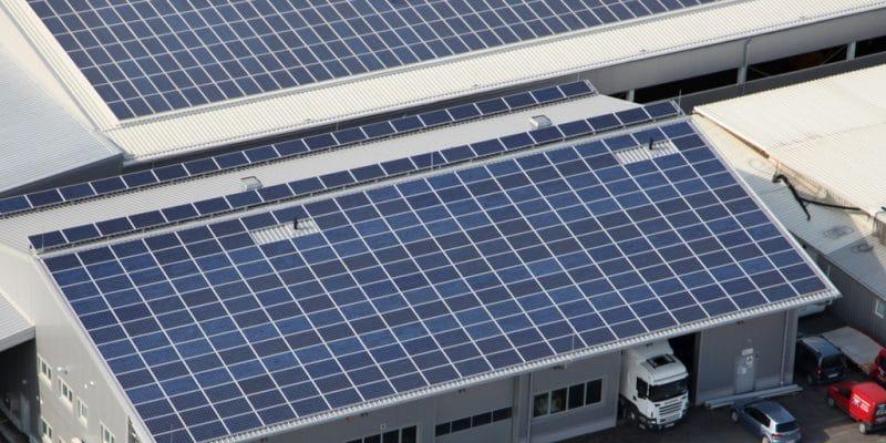 AFRIQUE : ElectriFI et EAV financent Solarise pour fournir l'off-grid aux entreprises©stockvideofactory/Shutterstock