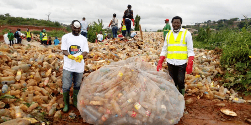 CAMEROON: 100 tons of waste collected by youth on World Clean Day©JCI Cameroon