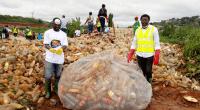 CAMEROUN : 100 tonnes de déchets ramassés par les jeunes pour le World Clean Day©JCI Cameroon