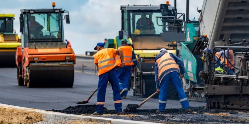 AFRIQUE DU SUD : un projet pilote de construction d'une route en plastique recyclé©Stockr/Shutterstock