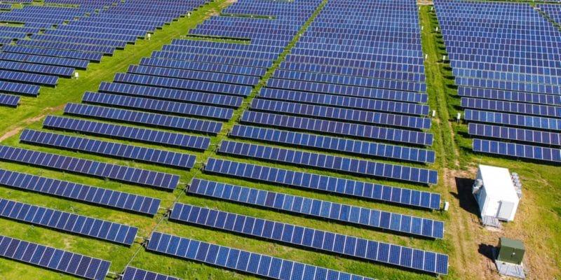 KENYA : la BEI et la FMO allouent 106 M€ à deux projets solaires de 80 MW©Roschetzky Photography/Shutterstock