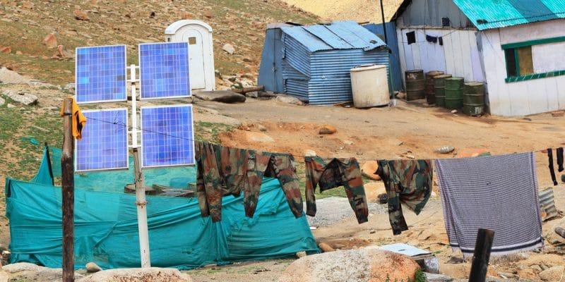 OUGANDA : les casernes s'équipent d'off-grids solaires pour baisser leurs coûts©SUJITRA CHAOWDEE/Shutterstock