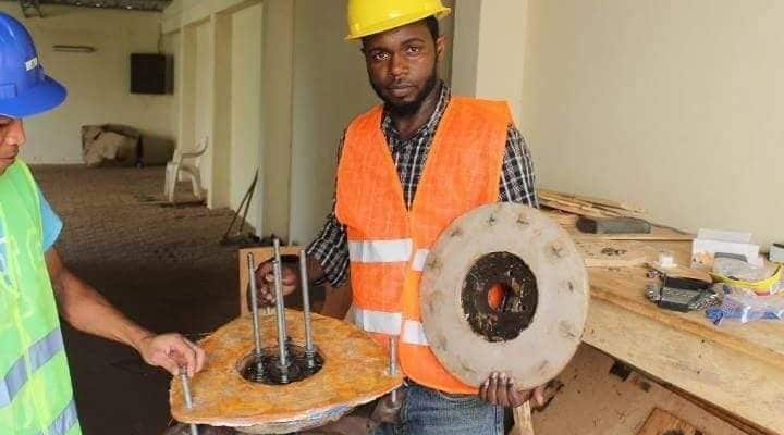 GUINEA: Young entrepreneurs design local wind turbines to light villages ©Eolguinée