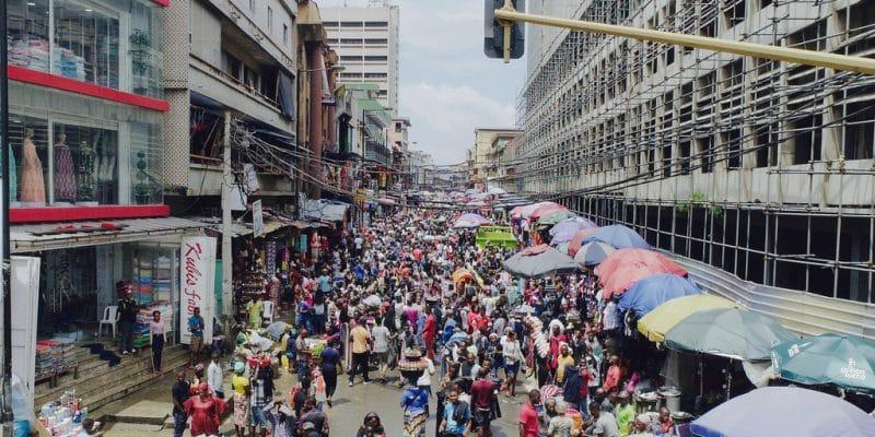 NIGERIA: Rensource Energy raises $20 million to electrify 20 local markets©Nurlan Ogunpitan Adeyemi/Shutterstock