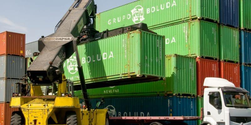 LIBERIA : les autorités rapatrient une cargaison de déchets toxiques vers la Grèce©Salvador Aznar/Shutterstock