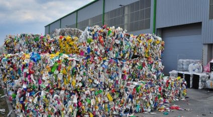 EGYPT: Henkel joins forces with Plastic Bank to recover plastic waste ©Meryll/Shutterstock