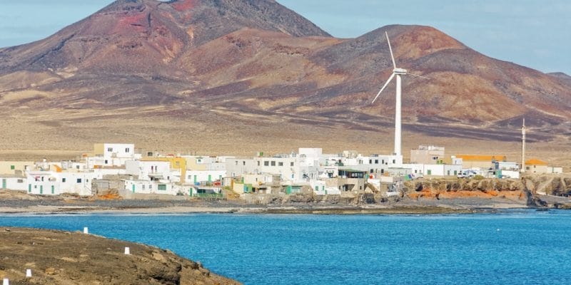 AFRICA: EEP Africa supports renewable energy project initiators in 15 countries©Steve BramallDe Shutterstock