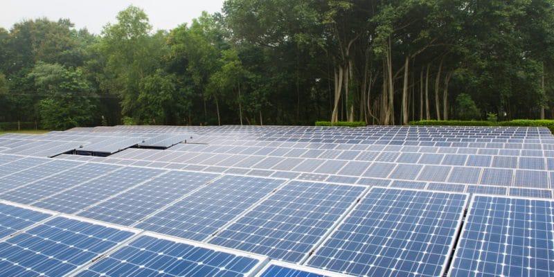 OUGANDA : le chinois CEEC va fournir 500 MWc d'énergie solaire photovoltaïque ©Melting Spot/Shutterstock
