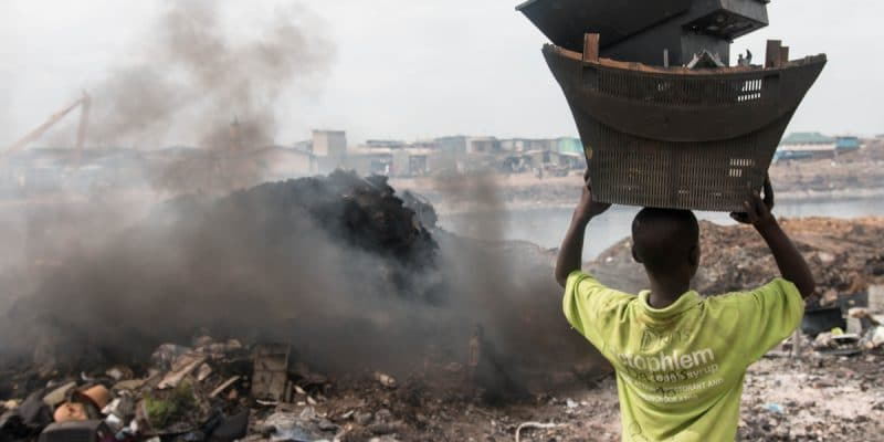 GHANA: Switzerland invests €6.1 million for sustainable recycling of electronic waste©Aline Tong/Shutterstock