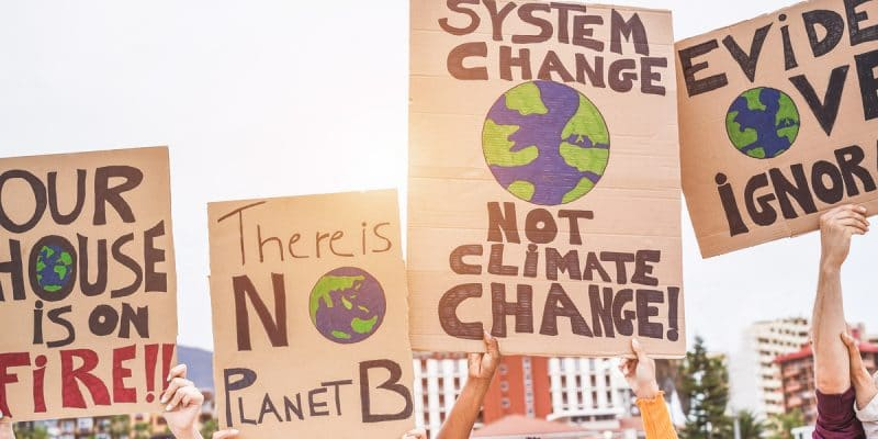CAMEROUN : le Covid-19 pousse WWF à organiser «Earth Hour-2020» sur internet©DisobeyArt/Shutterstock