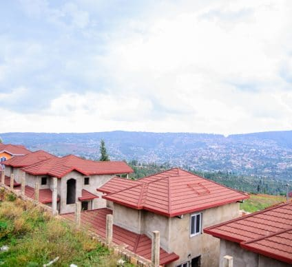 RWANDA: Government to install 1 million m² of cooling roofs by 2021©nyirijuru/Shutterstock