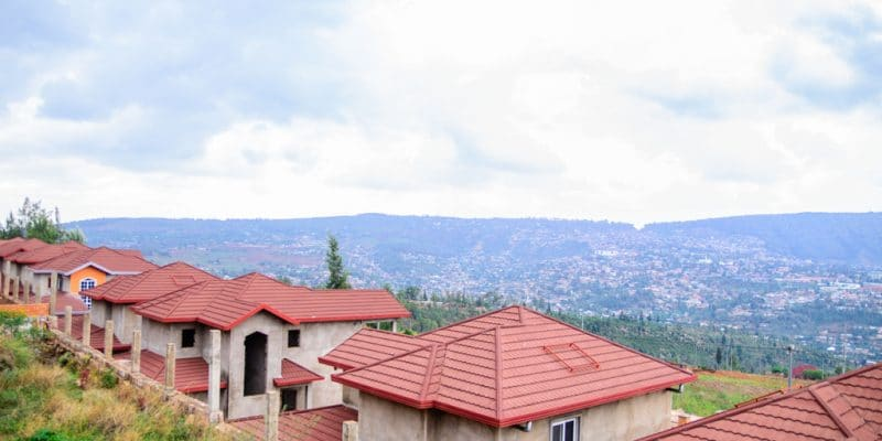 RWANDA: Government to install 1 million m² of cooling roofs by 2021©nyirijuru/Shutterstock