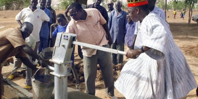 BURKINA FASO: Government equips the Koubri locality with two boreholes©Gilles PaireShutterstock