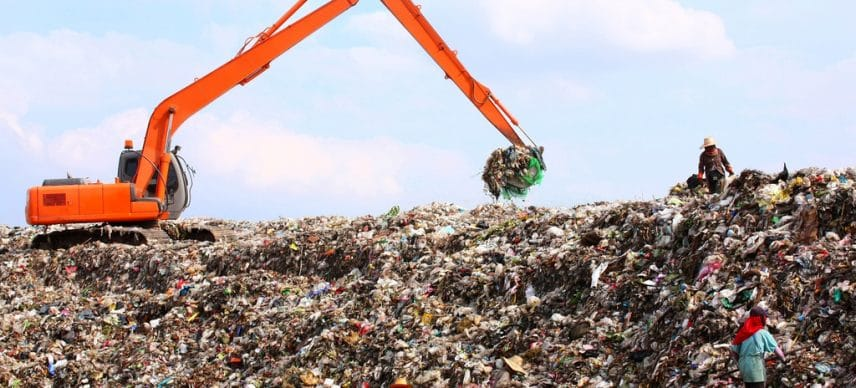 SENEGAL: Rehabilitation of the Mbeubeuss landfill site benefits from an IDA loan©Aonprom Photo/Shutterstock