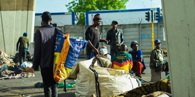 COTE D'IVOIRE: SODECI partners with government to improve country clean-up©VladanRadulovicjhb/Shutterstock