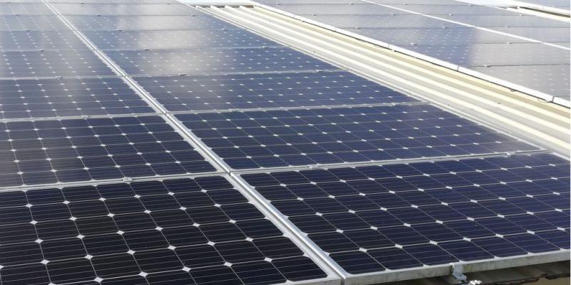LIBERIA: Eco-Power installe un système solaire photovoltaïque à l'hôpital de Buchanan©Muhammad Photo/Shutterstock