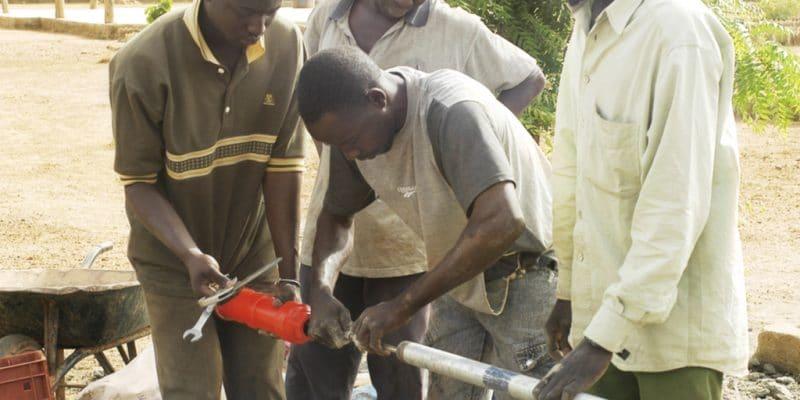 GABON: Drillmex International will repair water leaks in towns©Gilles Paire/Shutterstock