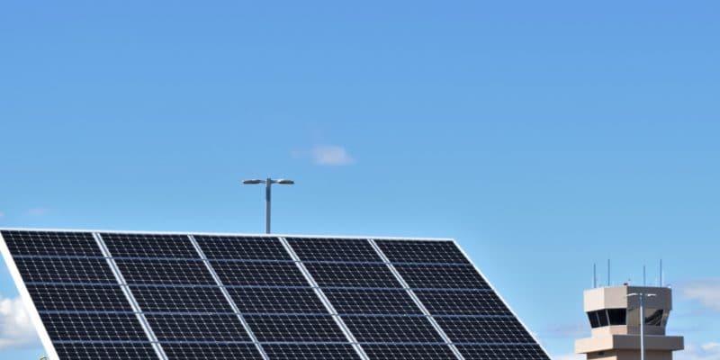 GHANA : le gouvernement va alimenter les aéroports du pays à l'énergie solaire©Zakkira/Shutterstock