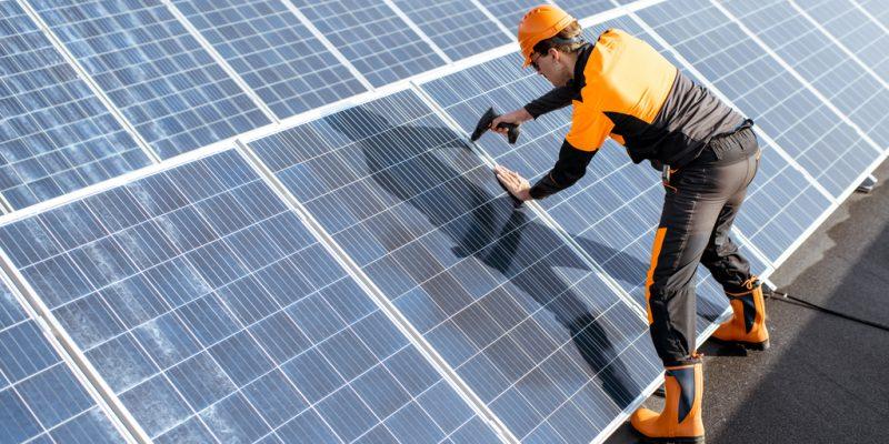 RWANDA: Nots Solar Lamps builds solar home systems factory©RossHelen / Shutterstock