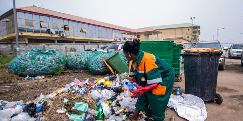 GHANA: An initiative for community plastic waste recovery©shynebellz/Shutterstock
